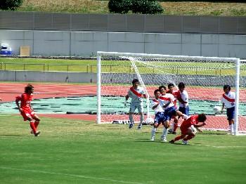 19 Aug 06 - FC Kariya defend a Rosso Kumamoto corner