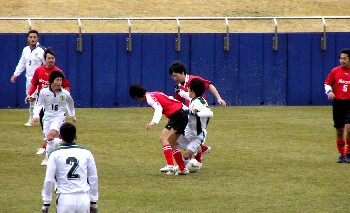 19 Feb 07 - Marsyol Matsushima in red get the better of Wiese Shiogama
