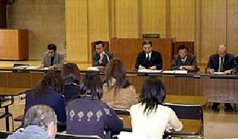 23 Dec 05 - Laughs aplenty at the Grulla Morioka EGM