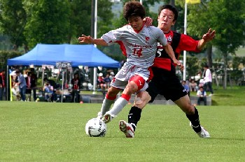20 MAy 07 - Honda Lock fight their way past Volca Kagoshima