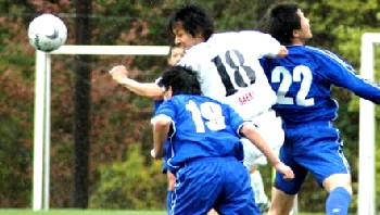 22 Apr 07 - Mazda SC in blue are outmuscled by FC Central Chugoku