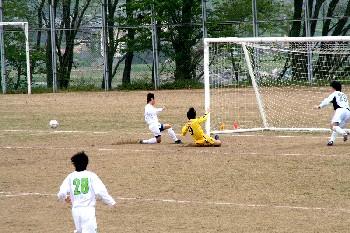 23 Apr 06 - Ehime Shimanami go close against Tokushima Vortis Amateur