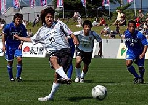 25 Jun 06 - Yosuke Nishi scores from the spot for Grulla against TDK