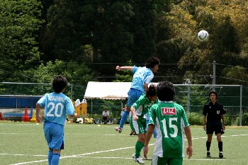 26 May 07 - NUM's photographer snaps a rare moment of success for his team against Yamaga