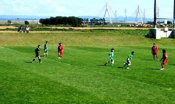 27 Aug 06 - Barefoot Hokkaido in red on the way to victory over Sapporo