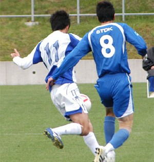 27 May 07 - Close control between Alo's Hokuriku and TDK