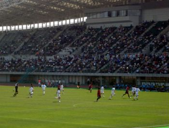 29 Apr 07 - A big crowd at Momotaro Stadium for Fagiano Okayama vs JFE Steel