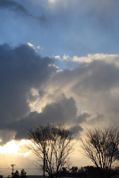 20110303 夕方5時前西の空_R