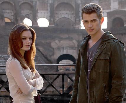 ミリー(左)とデヴィッド。ローマ・コロッセオにて