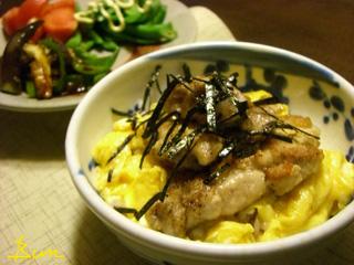 Jly17_カリッと鶏とふんわり玉子丼