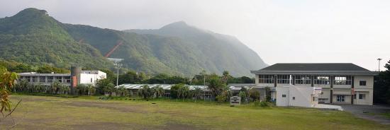 2008/3月廃校になった旧波浮小学校