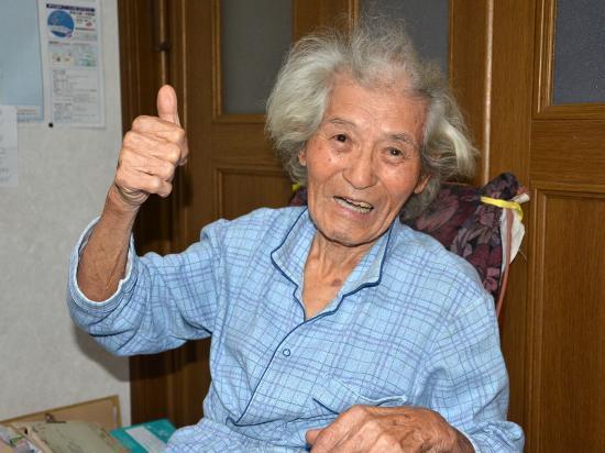 お元気な井沢武さん(99歳)