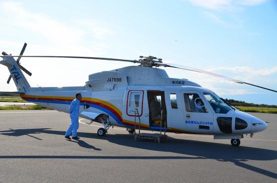 シルコスキーS76C+型 794馬力×2 運航速度260km/h  2/9名乗り