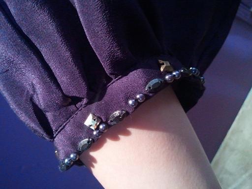 紫ドレス袖