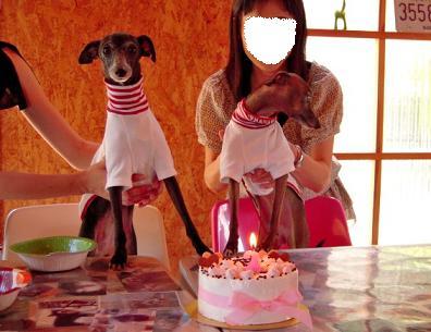 ママったら手はなして~~~ぇ☆ケーキに届かないでしゅよっっ!!