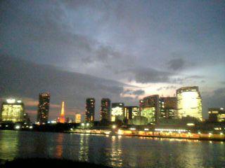 会社の前の風景(夕方)
