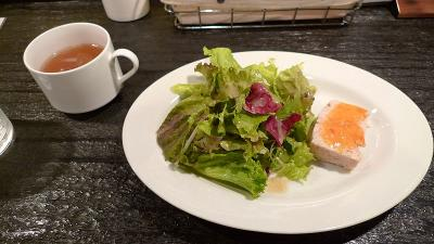 裏秋葉原 煮込みハンバーグの前菜