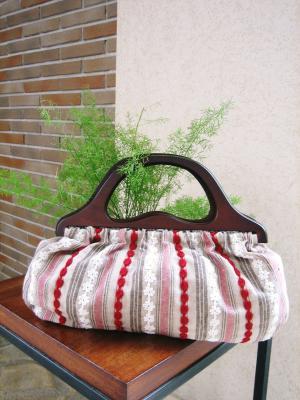 赤と白のストライプバッグ01