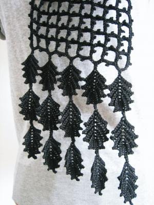 リーフモチーフのネット編みスカーフ02