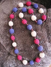 編み玉のネックレス_紫02