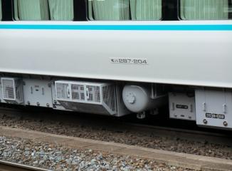モハ287-204,東洋VVVFケースと車号プレート