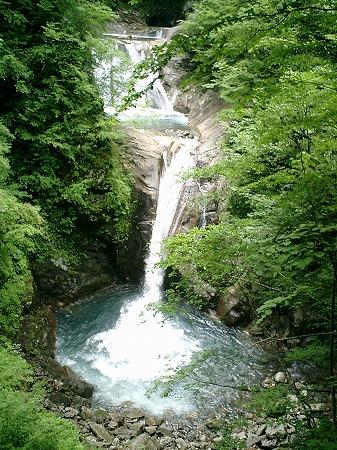 七ツ釜五段の滝(下方より)