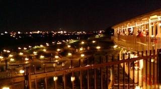 夜の伊丹空港です
