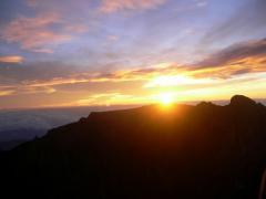 キナバル山頂からのご来光