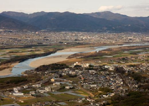 聖地・川島町を望む