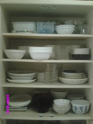 食器棚上段 整理前