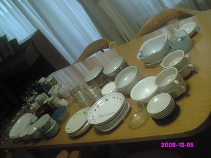 食器をすべて出す