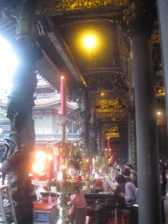 龍山寺 中の様子