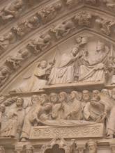 聖母マリアのポルタイユ(向かって左)