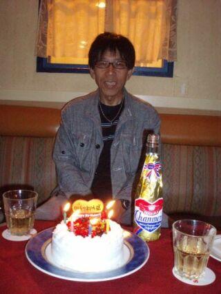 20111012カラオケ誕生ケーキ