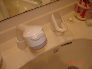 交換取付した洗面所シングルレバー混合栓TOTO TL385UF#N11