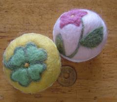 ピンクッション(コーヒーの蓋)クローバー・ピンクの花1