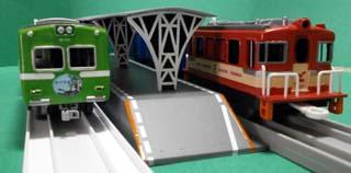 8000系と貨物列車2