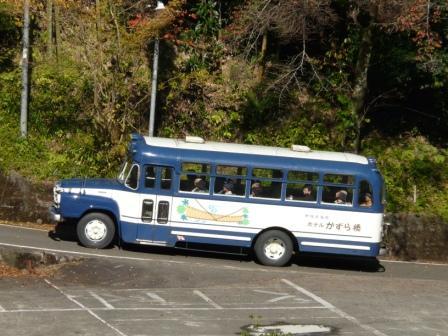 ボンネットバス 2