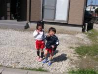IMG_0437近所のお姉さんと一緒