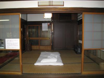 銭湯のおばちゃんの納棺シーンを撮影した部屋です。