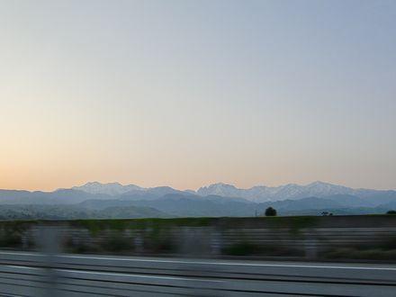 夜明けの立山連峰