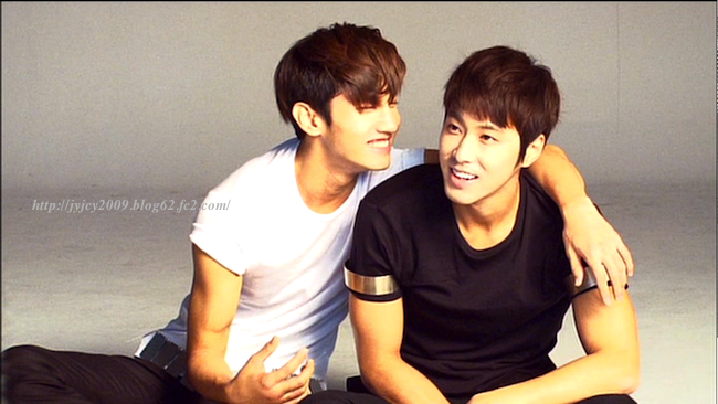 11tvxq-0504-kyhd-offshot-108-1.png