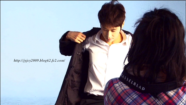 11tvxq-0504-kyhd-offshot-15-1.png