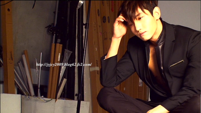 11tvxq-0504-kyhd-offshot-154-1.png