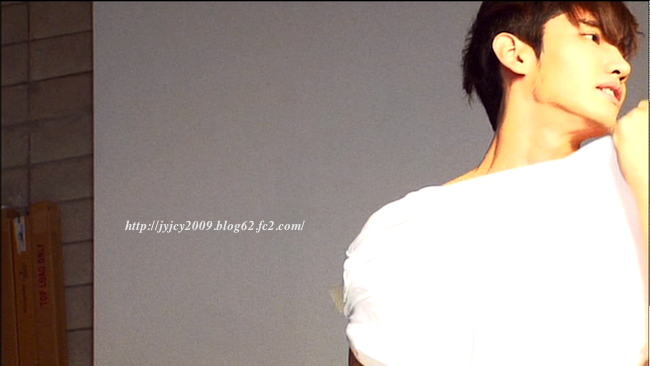 11tvxq-0504-kyhd-offshot-184-2.png