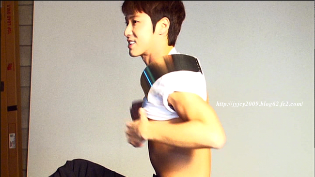 11tvxq-0504-kyhd-offshot-61-1.png