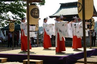 太田若宮八幡宮例大祭09-05-10(2)浦安の舞