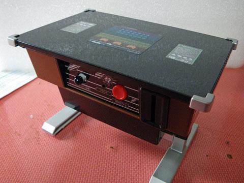 ゲーム筐体型貯金箱