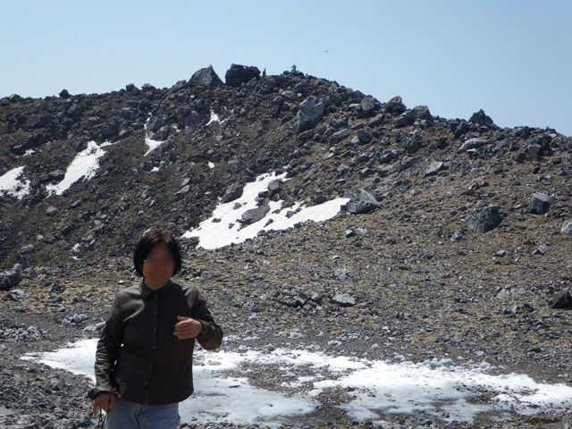 茶臼岳で記念写真