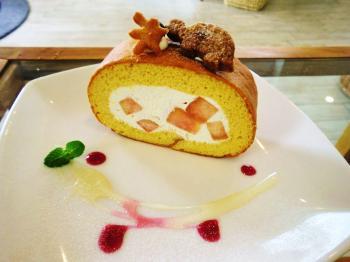 2 KINOさんロールケーキ